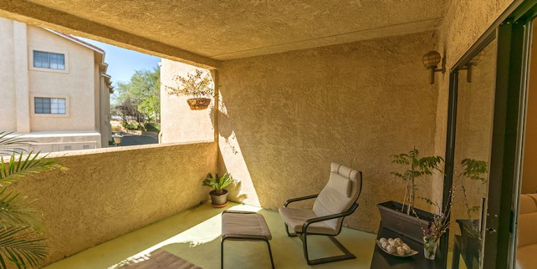 06-Patio 2-1592 Charterwood Ct