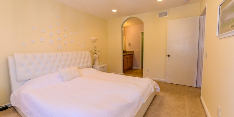 11-Masterbed-1592 Charterwood Ct