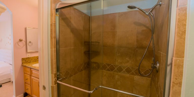 14-Shower Stall 2-1592 Charterwood Ct