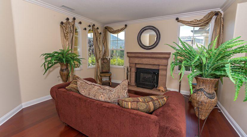 06 Formal Livingroom 2 - 1920 HAZEL NUT CT - AG
