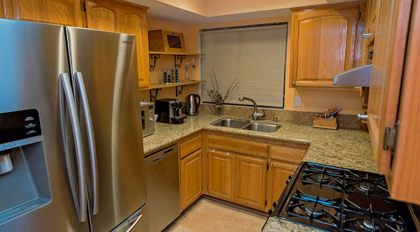 07-Kitchen-1592 Charterwood Ct
