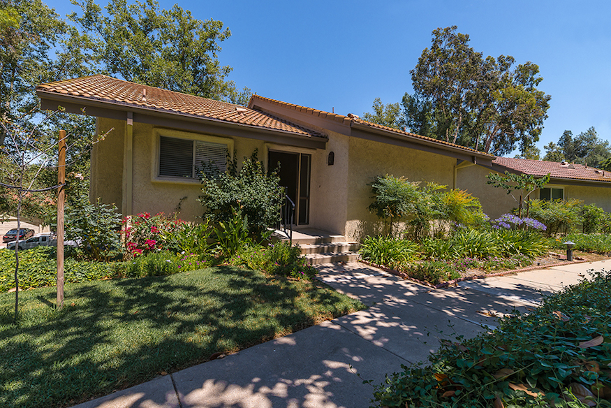 38 Meadowlark Lane, Oak Park, CA