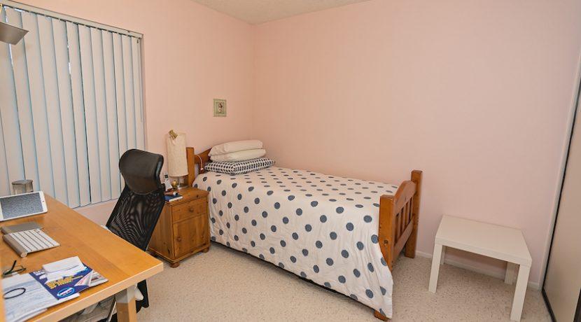 12-Bedroom01