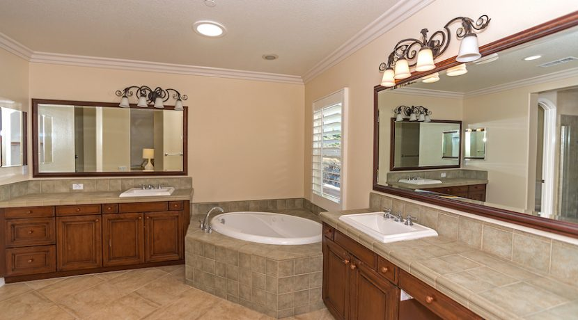 17 Master Bathroom - 1920 HAZEL NUT CT - AG