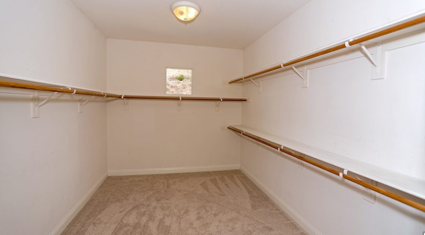 18 Master Bedroom Walkin Closet - 1920 HAZEL NUT CT - AG