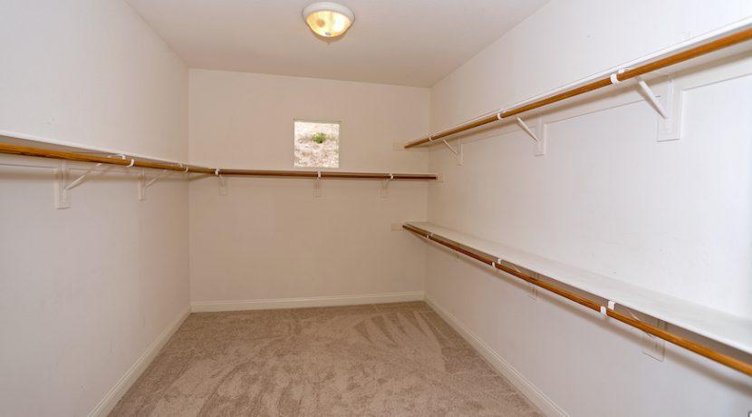 18 Master Bedroom Walkin Closet - 1920 HAZEL NUT CT - AG