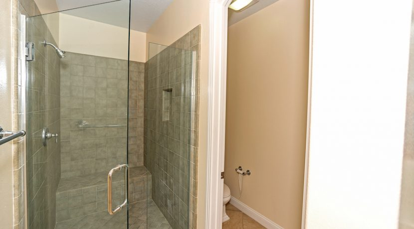 19 Master Bath Shower - 1920 HAZEL NUT CT - AG