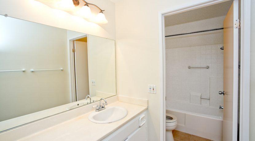 205-VIA-COLINAS---MASTERBATH