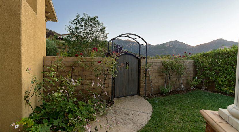 32 Backyard Garden 1 - 1920 HAZEL NUT CT - AG