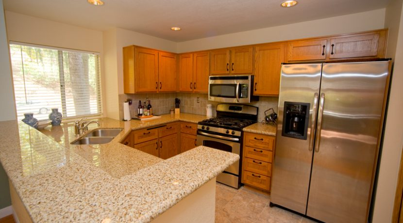 340-VIA-COLINAS-KITCHEN-02