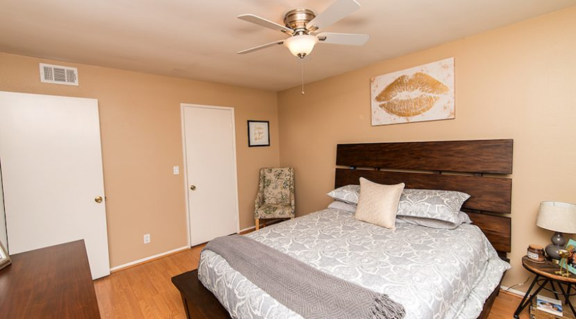 13 - Master Bedroom2