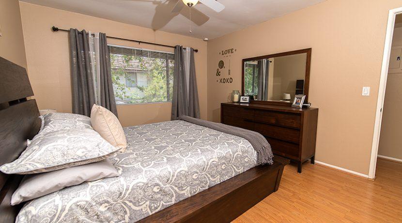 16 - Master Bedroom3