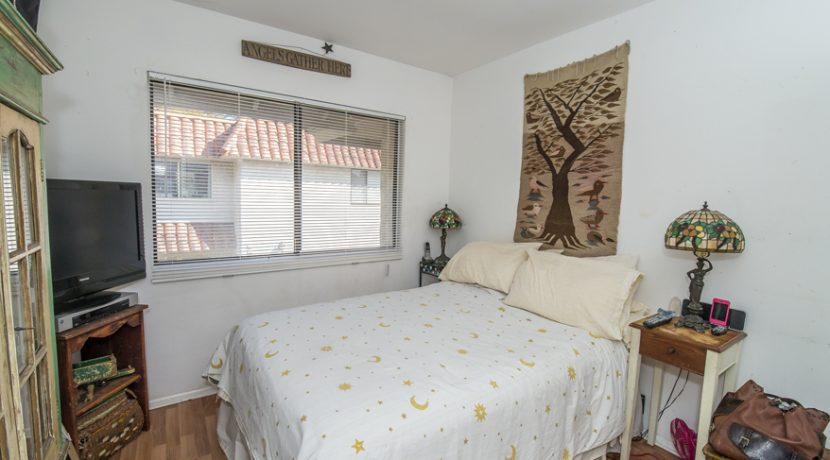 09 - Bedroom